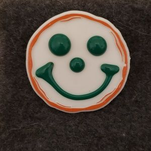 Jewelry - Vintage 1992 Happy Smiley Face Pin